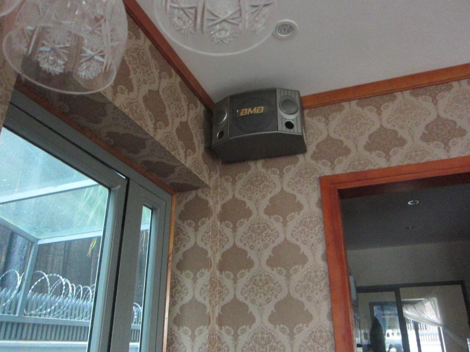Loa BMB CSX 1000SE phục vụ cho các quán karoke, phòng hát gia đình