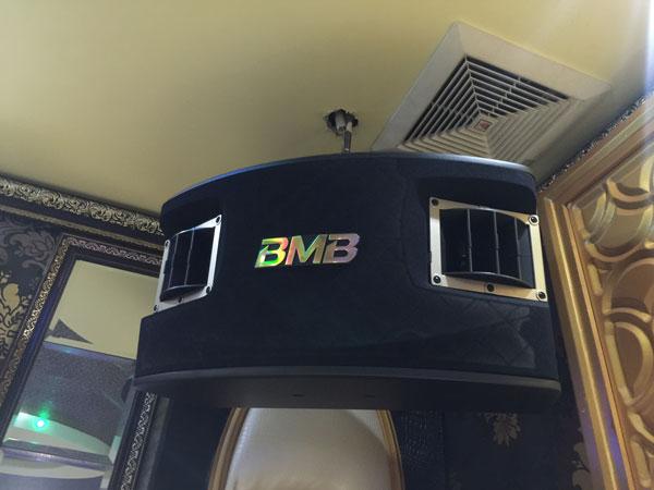 Loa BMB CSV 900SE chuyên lắp cho các phòng karaoke VIP
