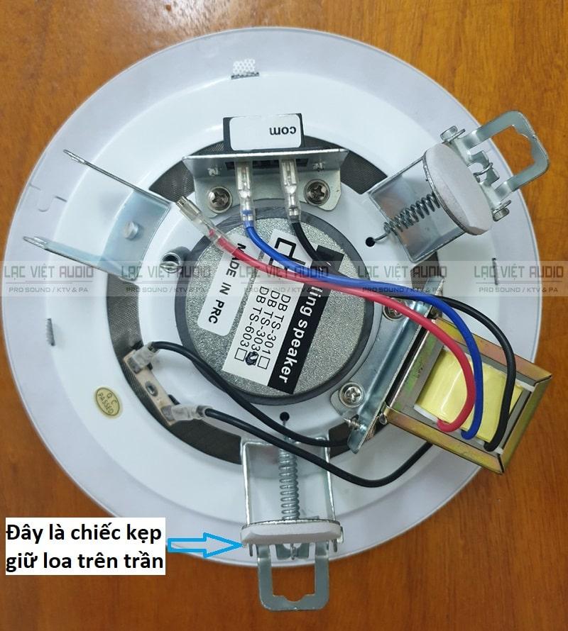 Các thiết bị phía sau loa âm trần 6W giúp lắp đặt dễ dàng