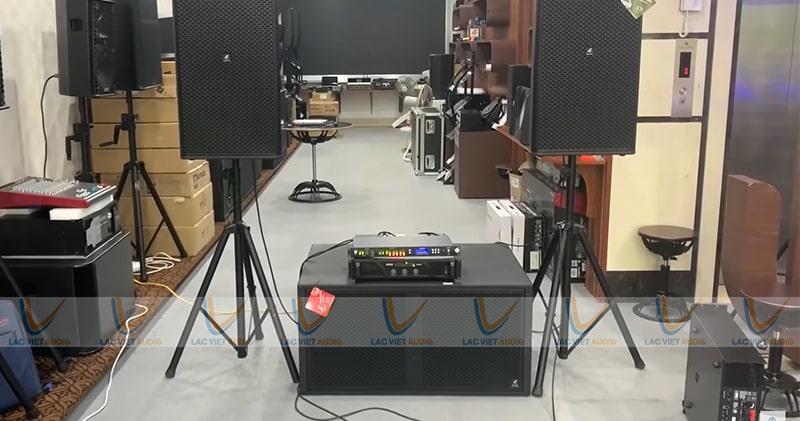 Cục đẩy Công suất HOUS TC-3815 dễ dàng ghép nối với các thiết bị khác